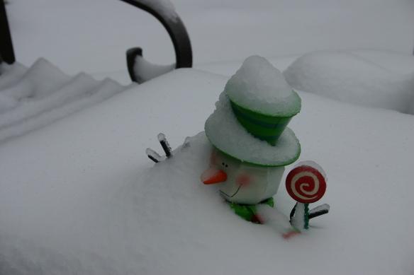 snow-man-buried
